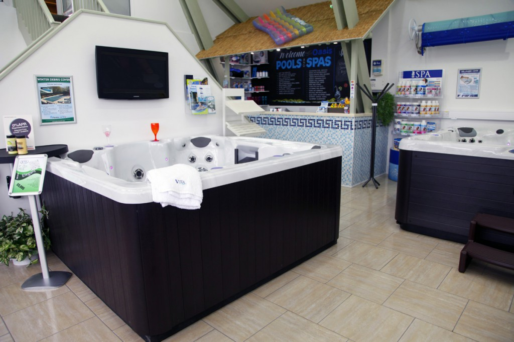 Kent-Hot-Tubs-Oasis-Hot-Tubs-and-Swim-Spas